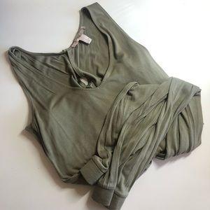 FOREVER 21 - comfy romper - green - size M